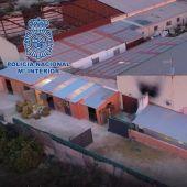 El laboratorio estaba permanentemente custodiado por varias personas de la organización que realizaban rondas constantes de vigilancia
