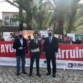 El Presidente de los Hosteleros Antonio Luque, junto a miembros de su asociación