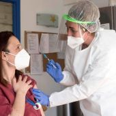 Los profesionales del Área de Salud de Menorca continúan el proceso de vacunación.