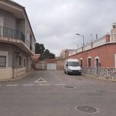 La actuación supone la eliminación de una calle sin salida y la mejora de la movilidad en este punto de la zona noroeste del municipio