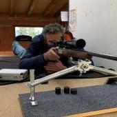 Juan Ignacio Tarapiella concentrado en el tiro.