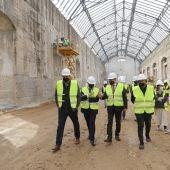 El alcalde de Sevilla, Juan Espadas, ha visitado las obras que se están ejecutando en las Naves de Renfe
