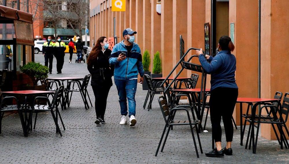 Cataluña alivia las restricciones en bares y restaurantes: aforos, horario y máximo de personas en terrazas