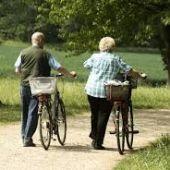 Bicicleta, senderismo o aeromodelismo son las nuevas actividades para mayores programadas desde el Ayuntamiento de Badajoz