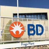 Entrada de la planta de Becton Dickinson en Fraga. La compañía está presente en 190 países.