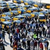 Marxa lenta del sector del taxi a Barcelona pel retorn d'Uber