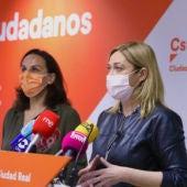 Carmen Picazo junto a Eva María Masías