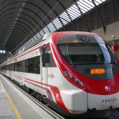 Un tren Civia en la Estación de Santa Justa