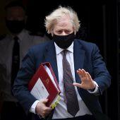 Boris Johnson se vacuna con Astrazeneca y vuelve a recalcar la seguridad