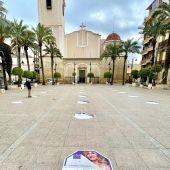 Exposición 'Las mujeres que dejan rastro' en la Plaza de la Constitución de Crevillent.