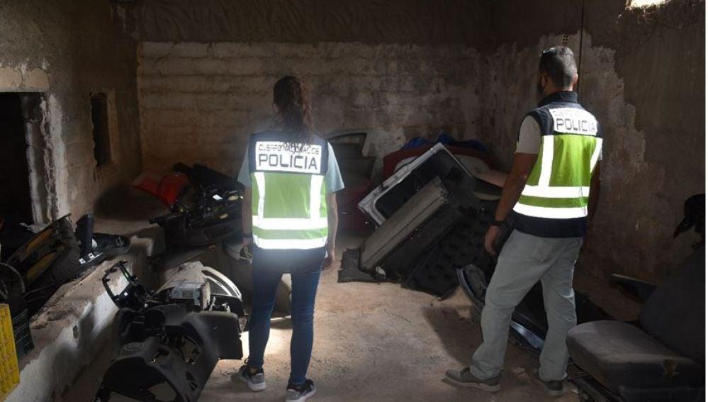 Piezas de coches localizadas por la policía