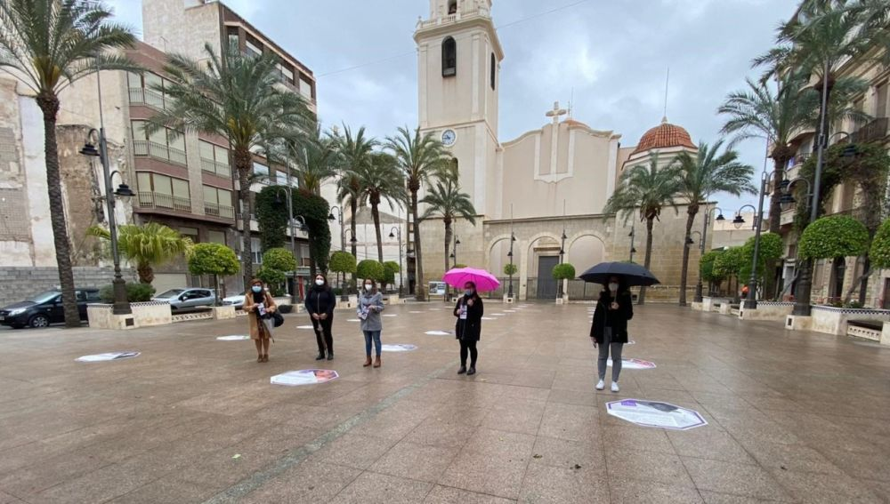 Inauguración en Crevillent de la exposición 'Las mujeres que dejan rastro'