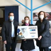 Diputación hace entrega de los casi 5.400€ recaudados con el calendario solidario 2021 a Banco de Alimentos