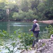 Jornada de pesca en el Cares