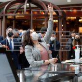 Elecciones Madrid 2021: Isabel Díaz Ayuso pide explicaciones por carta a Nadia Calviño por el bloqueo de ayudas a pymes y autónomos