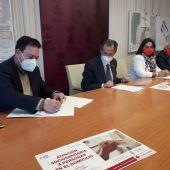 Cruz Roja formará a trabajadores de Emsisa para mejorar la ayuda a domicilio