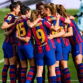 Las jugadoras del Barcelona celebran un gol