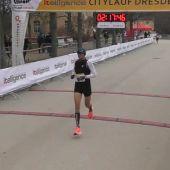 El atleta español, Camilo Santiago, bate el récord de maratón ¡De Honduras!