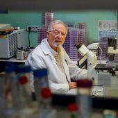 Luis Enjuanes, virólogo,