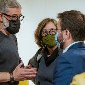 Carles Riera i Eulàlia Reguant (CUP) parlant amb Pere Aragonès