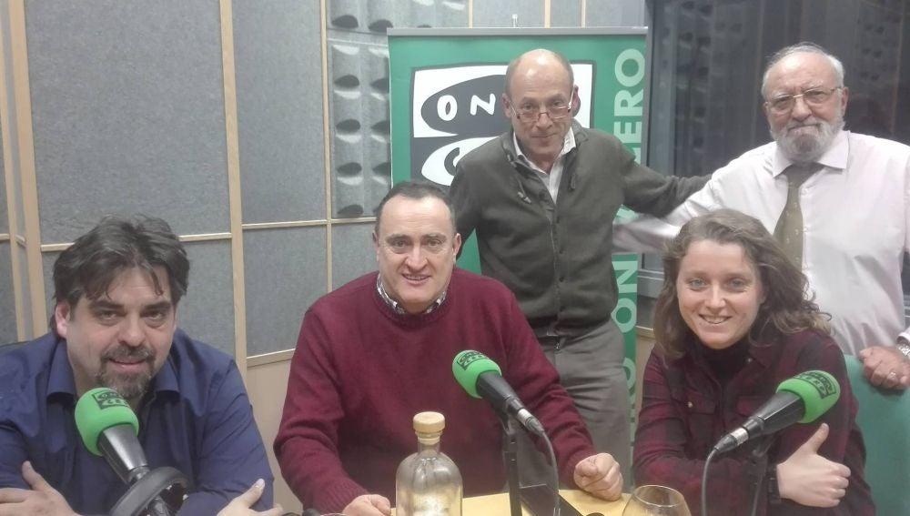 """Paco Alarcón, junto algunos de los colaboradores de Onda Cero en """"Pasión de Cuenca"""""""