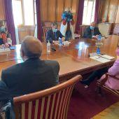 Los representantes de los gobiernos central y autonómico y la Diputación de Teruel se han reunido esta mañana en la Subdelegación del Gobierno