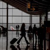 Iberia deja tirados a dos pasajeros en silla de rueda a la puerta del avión