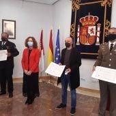 Los galardonados junto a María Ángeles Herreros