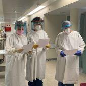 Alumnos del IES Abyla mandan cartas a sanitarios y pacientes en Ceuta.