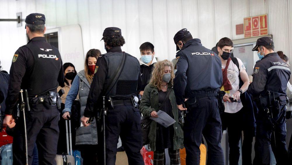 Restricciones y horario de toque de queda por comunidad autónoma en España para Semana Santa