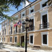 El alcalde de Paredes afirma que un recurso de la JAL pone en peligro la mayor inversión para el municipio