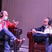 Lluís Homar y Carlos Alsina en el teatro La Latina.