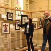 Mariola Galiana y Joaquín Martínez en la exposición 'Ars et Caritas'