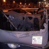 Detienen a dos menores de 15 años por quemar varios contenedores en Palma