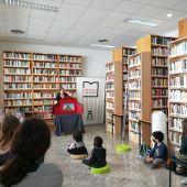 La Biblioteca de Can Ventosa celebra el Día del Libro Infantil y Juvenil con teatro familiar y nueva decoración
