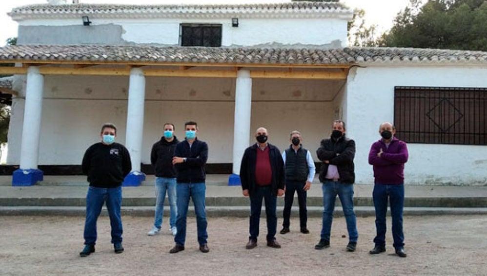 Ayuntamiento y Hermandad de San Isidro colaboran para rehabilitar los soportales de la Ermita