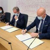 Presentación de la segunda campaña de los bonos al consumo del Ayuntamiento de León y la Cámara de Comercio