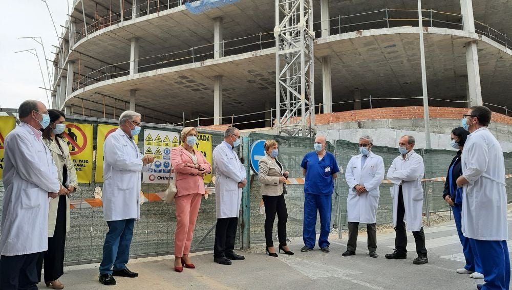 La consellera Ana Barceló visita las obras de ampliación de Urgencias del Hospital General