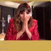 Rozalén vestida por Otrura para los Goya
