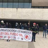 Concentración Bomberos de Castilla y León en las Cortes