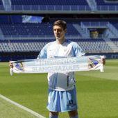 Stefan Scepovic el día de su presentación con el Málaga CF