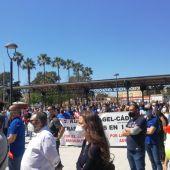 Instantes de una protesta en Puerto Real de la plantilla de Airbus