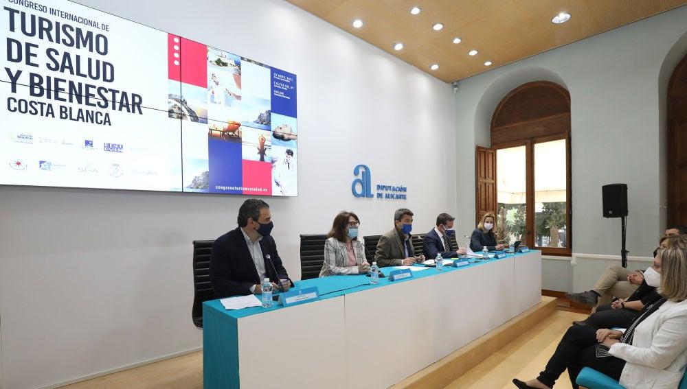 El presidente de la Diputación presenta el I Congreso Internacional de Turismo de Salud y Bienestar que se celebrará en l'Alfàs del Pi el 23 de abril