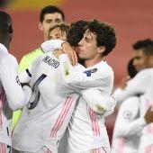 El Real Madrid celebra su clasificación para semifinales de la Liga de Campeones