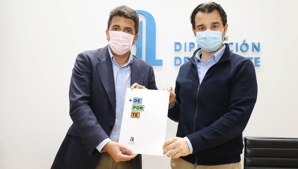 Carlos Mazón y Eduardo Dolón presentan este paquete inversor extraordinario que permitirá construir, ampliar o reformar instalaciones, así como renovar campos de fútbol de césped artificial