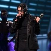 Bad Bunny arrasa en los premios Latin Music Awards con 5 galardones
