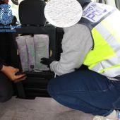 Ingresa en prisión tras ser detenido en Badajoz cuando portaba más de un kilo de cocaína en un vehículo