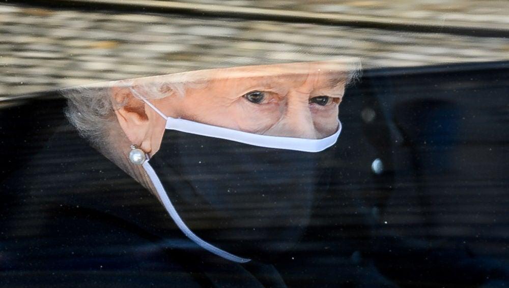 La reina Isabel II, durante el funeral del duque de Edimburgo