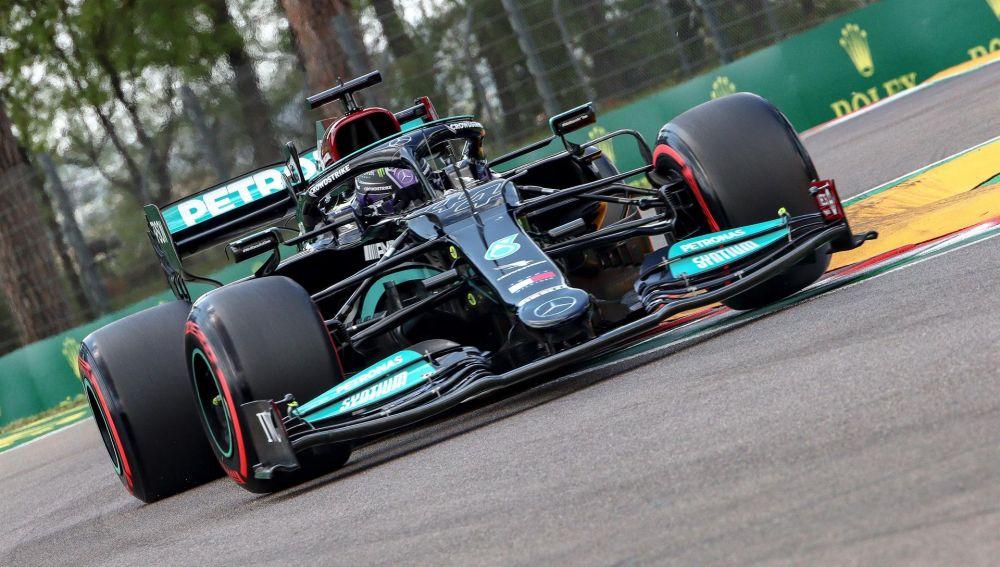 Resultado clasificación GP de Emilia-Romaña de F1: Hamilton firma su primera 'pole'; Sainz undécimo y Alonso decimoquinto