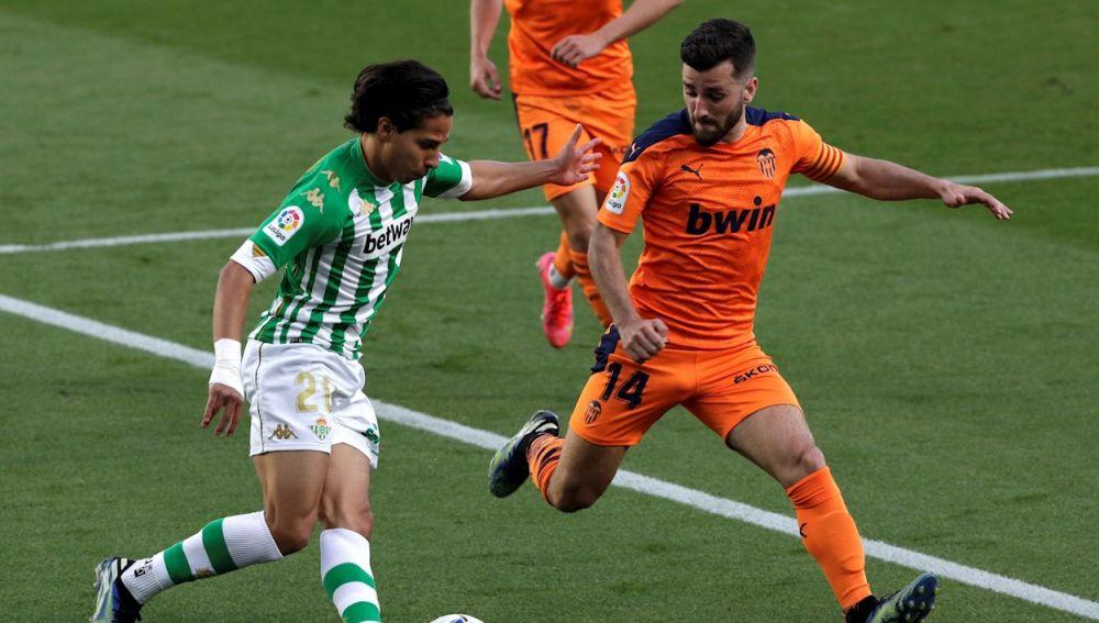 Betis 2-Valencia 2: El Betis pincha en el Villamarín